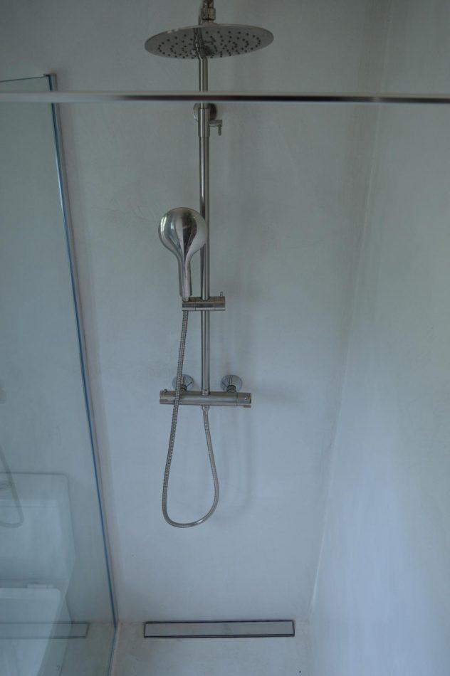 Micro Lime Plus en pared de ducha